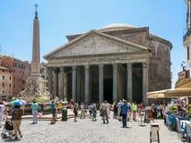 Panteon- och piazzadella Rotonda, Rome Arkivfoto