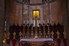 Panteon Roma Italia dell'icona dell'oro dell'altare Immagini Stock Libere da Diritti