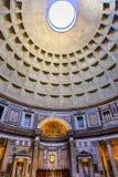 Panthéon Rome Italie d'autel de piliers de dôme Photos stock