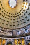 Panthéon Rome Italie de piliers de dôme Image stock