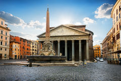 Pantheon on piazza Royalty Free Stock Photography