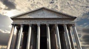 Pantheon, Roman tempel aan de goden van oud Rome stock afbeeldingen