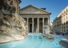Pantheonspringbrunn, Rome Royaltyfria Foton