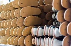 Pantoffel in der Fabrik bereit zu schicken Lizenzfreie Stockbilder