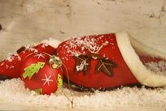 Pantofole di Natale con l'ornamento Fotografie Stock Libere da Diritti