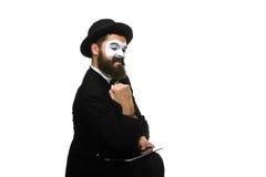 Pantomime als Geschäftsmann hat Druck wegen des Computers Lizenzfreies Stockfoto