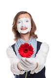 Pantomime Artist mit roter Blume - Gerber Lizenzfreies Stockfoto