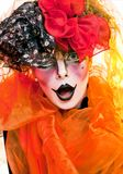 Pantomime de femme avec le renivellement théâtral Images stock