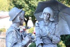 Pantomime les paires à Bellagio, au lac Como, l'Italie photo stock