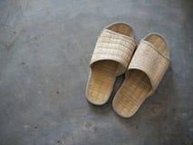 Pantoufles tissées Photographie stock libre de droits