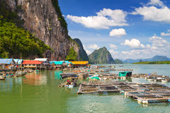 Село рыболова Panyee Koh на заливе Phang Nga Стоковое Изображение RF
