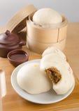 pao或亚洲小圆面包在背景 免版税库存照片
