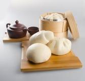 pao und chinesischer Tee auf einem Hintergrund Stockbild