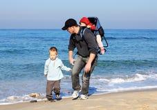 Papà, figlio e figlia fotografia stock libera da diritti