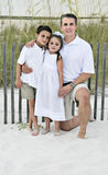 Papá con la hija y el hijo Imagen de archivo