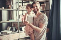 Papá e hija foto de archivo