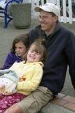 Papá e hijas Fotos de archivo