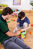 Papá joven con el hijo Imagen de archivo libre de regalías