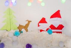 Papá Noel, árbol de Navidad y arte de papel de la Navidad del reno Fotografía de archivo libre de regalías