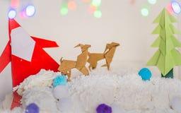 Papá Noel, árbol de Navidad y arte de papel de la Navidad del reno Imágenes de archivo libres de regalías