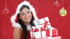 Papá Noel atractivo sorprendido almacen de metraje de vídeo