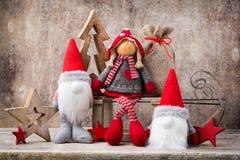 Papá Noel en un trineo Fondo del gnomo de Noel Símbolo de la Navidad Imagenes de archivo