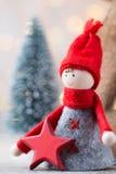 Papá Noel en un trineo Fondo festivo del gnomo Symb del Año Nuevo Fotos de archivo