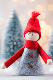 Papá Noel en un trineo Fondo festivo del gnomo Symb del Año Nuevo Imagen de archivo