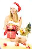 Papá Noel femenino con los regalos para la Navidad Fotos de archivo libres de regalías