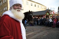 Papá Noel llega en Aalborg Fotos de archivo libres de regalías