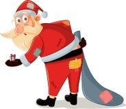 Papá Noel pobre con el traje desigual y la pequeña historieta del vector del regalo Imagen de archivo
