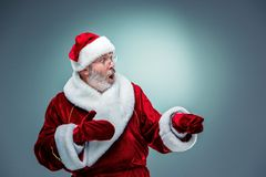 Papá Noel sorprendido Foto de archivo libre de regalías