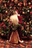 Papá Noel y decoraciones foto de archivo libre de regalías