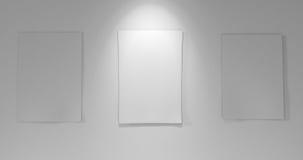 3 papéis a bordo com para baixo luz Imagens de Stock