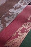 Papéis de parede, fim acima o teste padrão clássico emblemas Fotografia de Stock