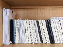 Papéis e manual de negócio Fotos de Stock Royalty Free
