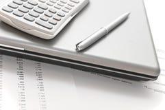 Papéis financeiros e ferramentas para analisá-los Imagem de Stock