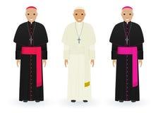 Papa, cardenal y obispo en la ropa característica aislada en el fondo blanco sacerdotes católicos Gente de la religión Foto de archivo libre de regalías