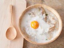 Papa de aveia do arroz para o café da manhã Imagens de Stock