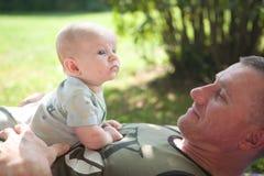 Papa en baby Stock Foto's