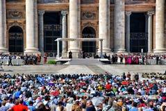 Papa en un santo Peters Square Foto de archivo