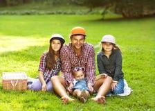 Papa et ses 3 filles Photos stock
