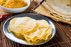 Papad ou pappadam, alimento tradicional indiano Fotos de Stock Royalty Free