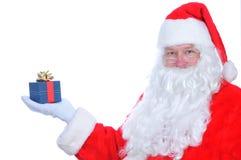 Papai Noel com presente imagens de stock royalty free
