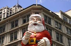 Papai Noel gigante no edifício Imagem de Stock Royalty Free