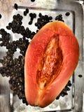 Papaia e semente Imagens de Stock Royalty Free