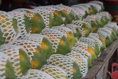 Papaja in de markt Royalty-vrije Stock Foto's