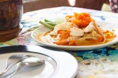 Papajasalade met garnalenshell, Thais Voedsel Royalty-vrije Stock Foto's
