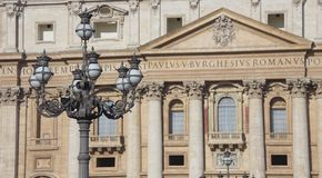 The Papal Basilica of Saint Peter in the Vatican (Basilica Papal Stock Images