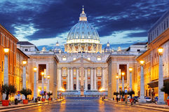 The Papal Basilica of Saint Peter in the Vatican. (Basilica Papale di San Pietro in Vaticano Stock Photo